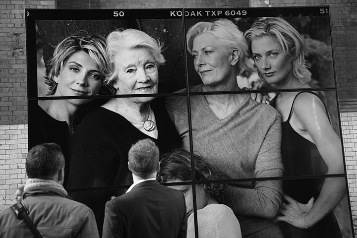 Women New Portraits By Annie Leibovitz Kicks Off In